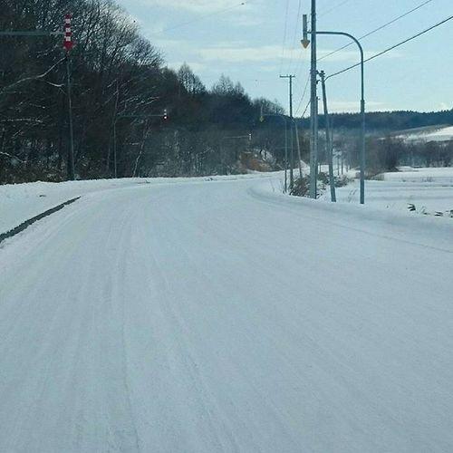 なおphoto スキー場までの道 北海道岩見沢市 追分より、雪多いわΣ(|||▽||| )笑
