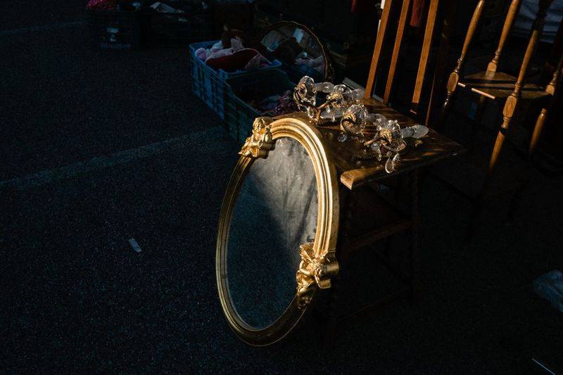 Casale Monferrato, gennaio 2019 Light And Shadow Mirror Mercatino Casale Monferrato Snapshot Everybodystreet Street Photography High Angle View Jewelry Close-up Gold Colored My Best Photo