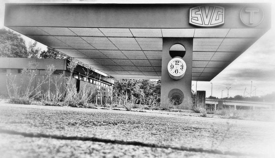 vom Grenzübergang zum Zollamt oder das, was davon übrig blieb OnceUponATime..... Blackandwhite Bye Bye Borders
