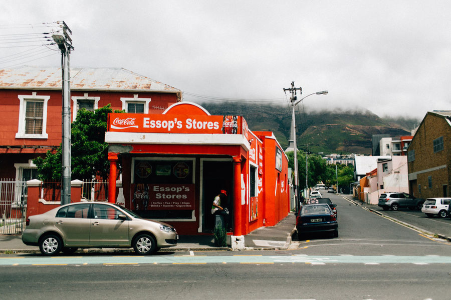Architecture Building Exterior Built Structure Capetown Car City Day Kapstadt Land Vehicle Mode Of Transport No People Outdoors Red Road Sky South Africa Street Transportation Tree