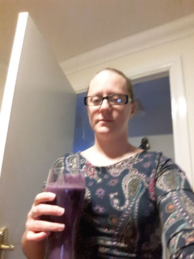 Day 1 Bec's smoothie recipe...best i can say it matchs my dress.