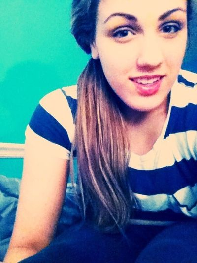 I live pretty things and clever words <3