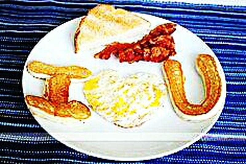 Awwwwww!!!!!!!!  Breakfast Food Art Surprises Creative Way To Someone's Heart<3