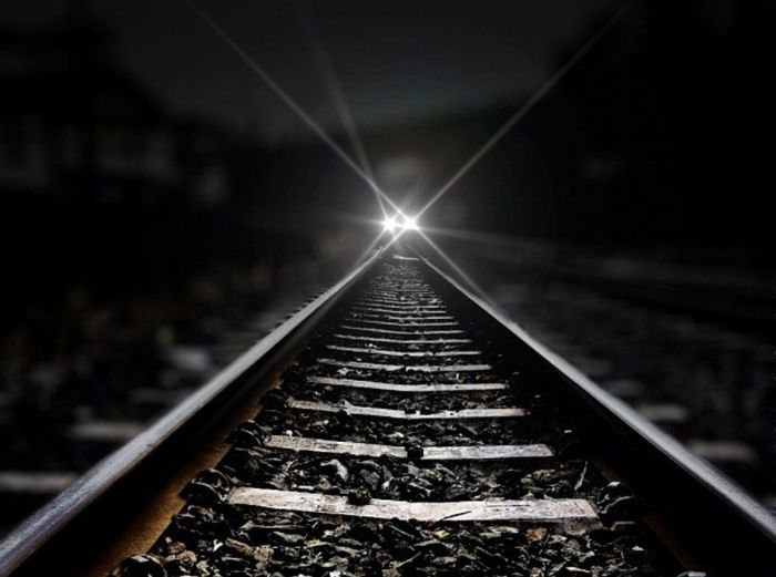 What I'm doing here ? ✨🤔✨ Railroad Track Close-up Night Outdoors No People Low Angle View Straight Forward From My Point Of View The Way Forward Transportation Exceptional Photographs Light And Darkness  Light And Shadow Tadaa Community Dangerzone Light Up Your Life Light In The Darkness Magic Moments Scenics Railway Track Eye4photography  Focus On Foreground Imagine Your World Turn Your Lights Down Low Winter Wonderland