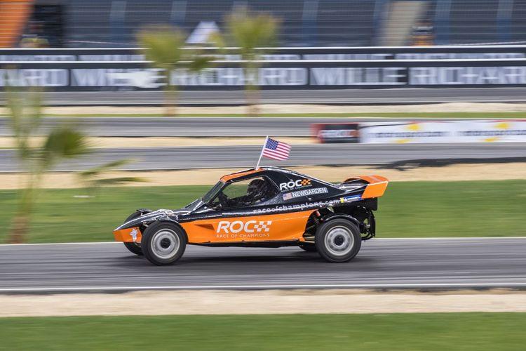 Car racing in