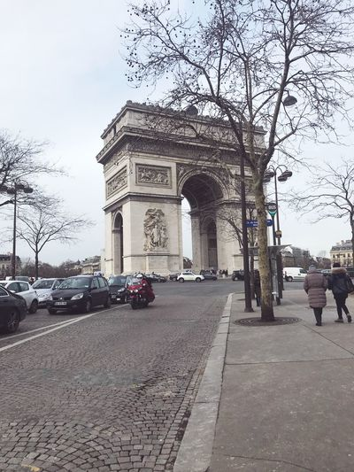 Travel Traveling Triumphal Arch Architecture Arch Car Street Outdoors City