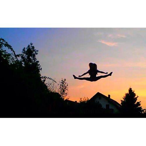 Gestern beim Trampolin springen?✨ Sonnenuntergang Trampolin  Ich Gestern
