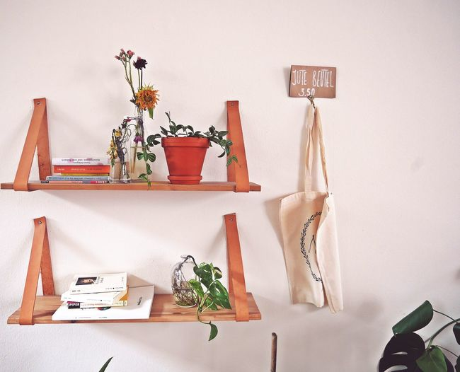 EyeEm Selects you can only be as good as your taste 🍃 Indoors  Hanging Shelves Shelf The Week On EyeEm Interior Views From My Point Of View Walking Around Taking Pictures EyeEm Gallery Arts Culture And Entertainment Capture The Moment Showcase September Interior Decorating Vscogood Calm And Serene Interiør Citylife Mindful Vintage Style Decorated Live Moments Live Authentic Blogging Mix Yourself A Good Time