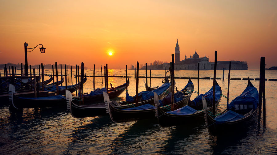 Gondola's Church Cultures Gondola - Traditional Boat Morning No People Sun Sunset Tourism Tranquil Scene Travel Travel Destinations Venezia Venice Venice, Italy Venise Water