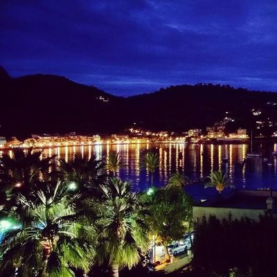 Alright Port de Sóller, let's start into a casual Sunday evening! Portdesóller Mallorca Baleares SPAIN EndlessSummer VacationTweet 😎 🌴
