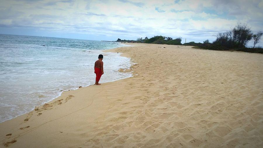 Life Is A Beach Being A Beach Bum Pondering Life EyeEm Kids Seashore Hawaiilife Tropical Paradise Ponderingtheuniverse Pondering The Meaning Of Life