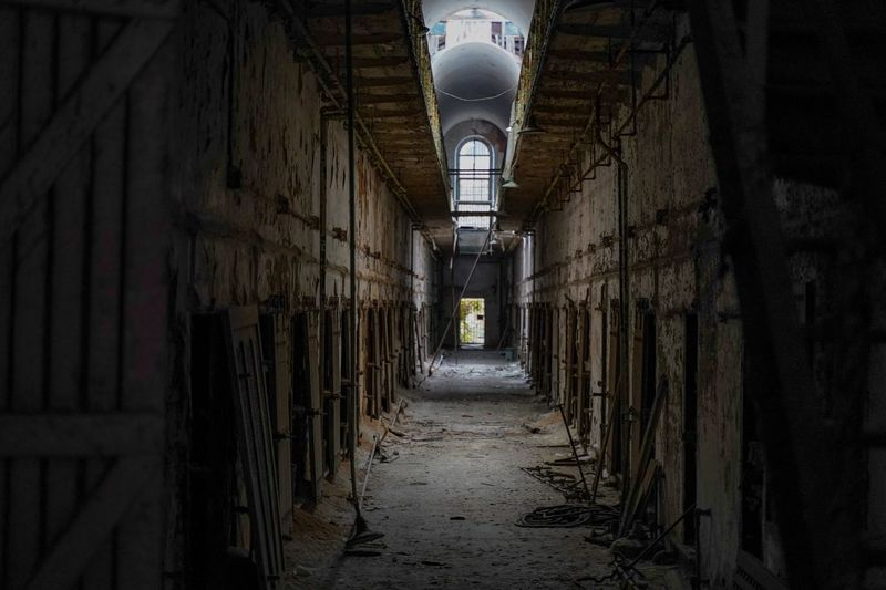 Eastern State Penitentiary Eastern State Penitentiary Architecture The Way Forward Building Built Structure Direction Abandoned Arcade Indoors  Corridor No People Decline Deterioration Old Run-down Damaged