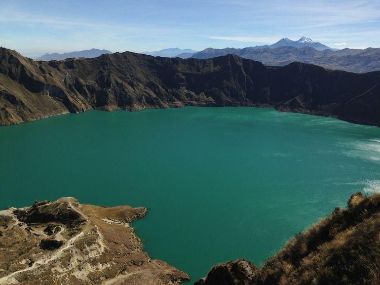 Laguna de Quilotoa, dentro del crater del mismo nombre. 4,40 h nos ha costado rodearlo.