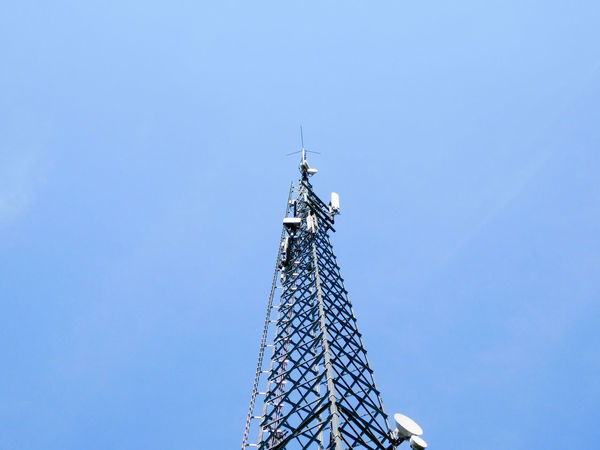 Antenna Architecture Blue Blue Sky Broadcast Broadcasting Broadcasting Antenna Broadcasting System Broadcasting Tower Clear Sky Day Low Angle View Minimal Minimalism Minimalist Architecture No People Outdoors Sky Sky_collection Tall Buildings Technology Technology Everywhere Technology I Can't Live Without Tower