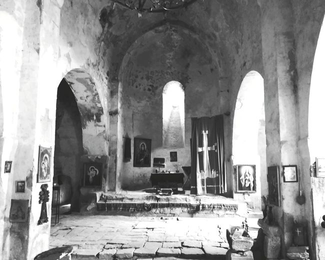 Explore the wor(o)ld Arch Architecture Historic Place Of Worship Temple Church Spirituality