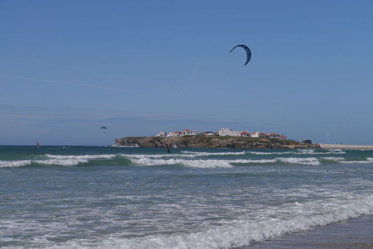 Kitesurfers at