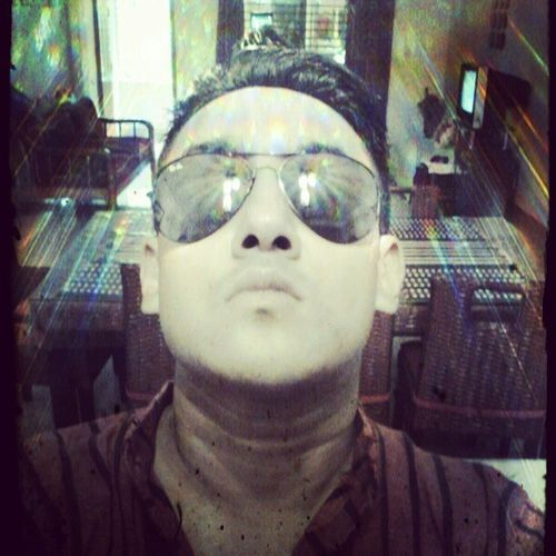 Divinity Halo Gangster Instgegs chinstergram shades rayban