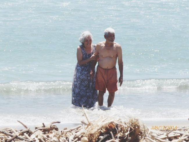 "Reminds me of ""The Notebook"". Grandparents Oldiesbutgoldies Life Is A Beach Sea Life California True Love Merong Forever"