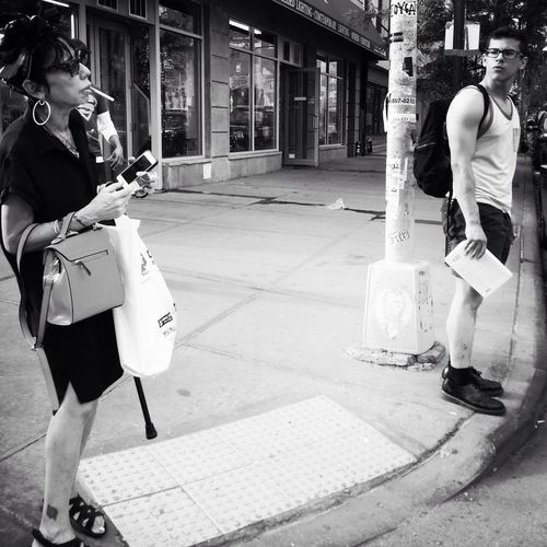 The Bowery The Street Photographer - 2015 EyeEm Awards EyeEm Best Shots Hipstamatic Black And White Streetphotography_bw Blackandwhite Photography Street Photography Hipstamaticaddicts Black And White Photography New York City