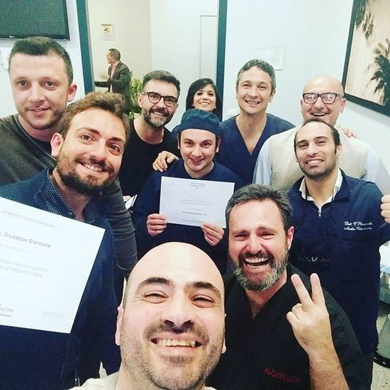 The Alchermesvideoproduction was proud to cooperate in the course of advanced surgery held by Sweden & Martina and Dr. Roberto Luongo. Greetings to all students. Implantologia Surgeryoperation Dentalsurgery Sweden &martina Paolograssi Videomaker Implants
