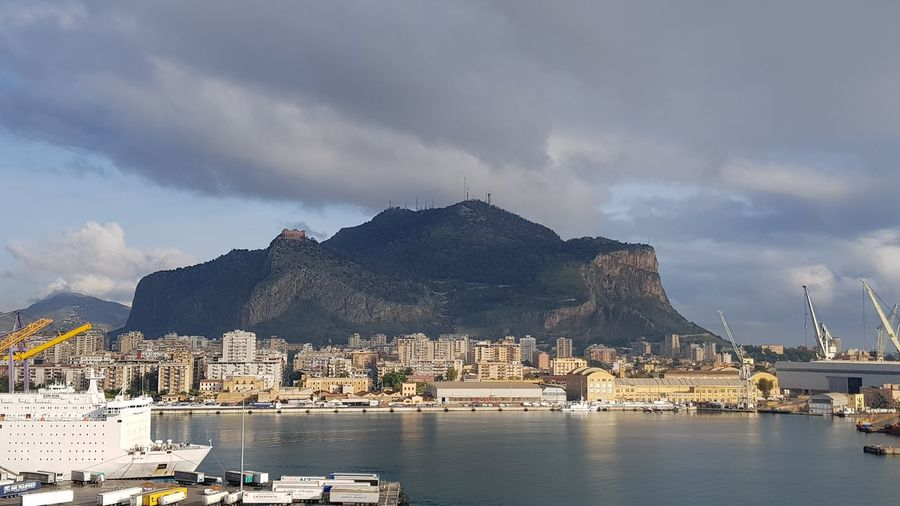 light and shadow on cityscape and mountain of Palermo EyeEm Selects EyeEm Gallery Palermo Cityscape Travel Travel Photographie Light And Shadow