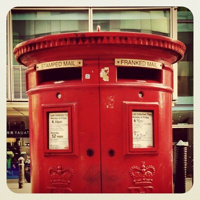Stamped mail or Franked mail? #red #postbox #london #alaniskoinlondon #iphoneography #instacanvas #photooftheday #uk #gf_uk #ebstyles_gf #jj_forum #jj #earlybirdlove IPhoneography Red London Uk Photooftheday Instacanvas Jj  Postbox Earlybirdlove Jj_forum Ubiquography Ebstyles_gf Gf_uk Alaniskoinlondon