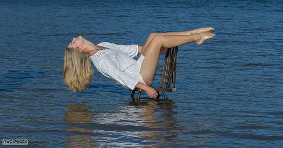 Sea Ocean Bay River Chair Blue Water Girl Woman Blonde Shirt Pose Pentax Wolfworx Cintsa Summervibes Photoshoot Legs Legsfordays Girlsofig Random