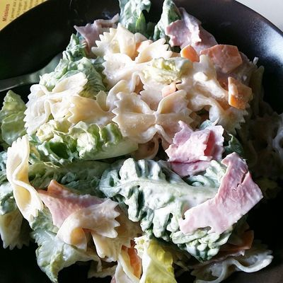 Salade, pâtes, jambon et mimolette *-*