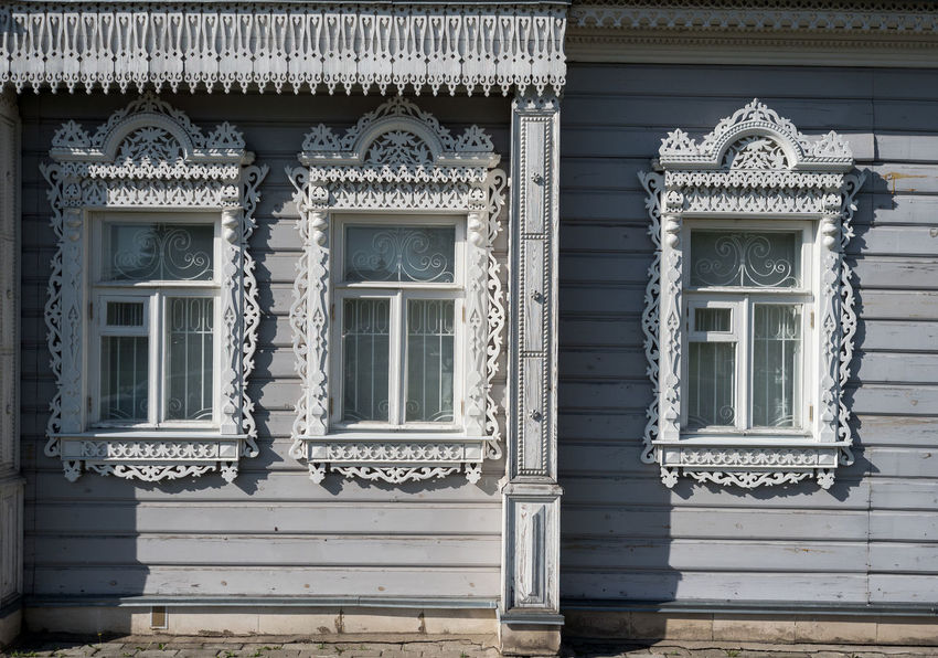 Russia, tourism, wooden house, Kolomna Russia Architecture Building Building Exterior Built Structure Closed Craft Day Door Entrance Façade History House Low Angle View Monastery In Kolomna No People Ornate Outdoors Pattern Residential District The Past Window Wooden House