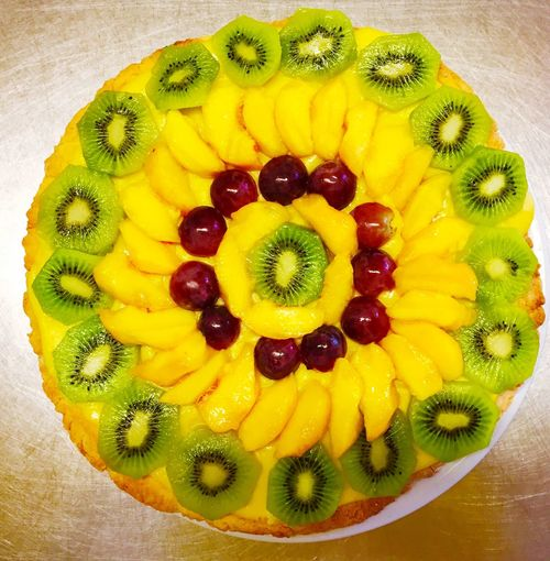 Fruit Kiwi - Fruit Food Food And Drink Freshness Kiwi SLICE Still Life Healthy Eating Close-up Variation Sweet Food No People Indoors  Ready-to-eat Dessert Multi Colored Tart - Dessert