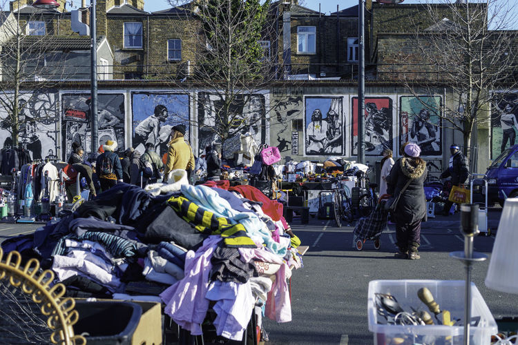Buying City Life Culture Discount Flea Market Large Group Of Objects Lifestyles Market Real People Retail  Sale Street Urban