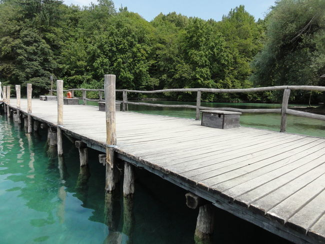 Bridge Built Structure Connection Day Engineering Footbridge Green Color Holzsteg In A Row Nature No Filter No People No People, Non-urban Scene Outdoors Pier Plitvice National Park Railing Scenics Steg Tranquil Scene Tranquility Wasser Water Waterfront