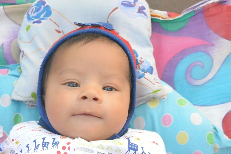 My cuty boy Baby Cap Cloth Cuty Baby SMILY FACE Smily Boy 0-11 Months Baby Photography Baby Boys Babyphotography Baby Babyhood Babyboy Baby Boy New Born New Born Baby New Born Photography Baby Clothing Babies Only One Baby Boy Only Baby Carriage Newborn 2-5 Months Delicate Eyeball