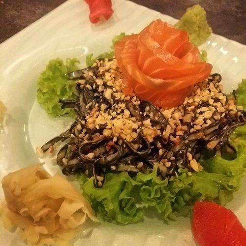 Freshly bossmade Sashimi Black Soba