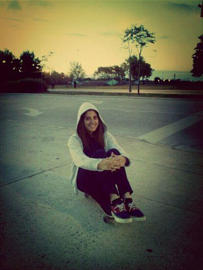 con el amiguito skate