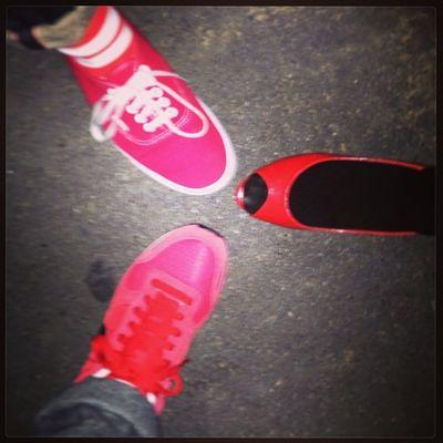 偶然3人共、赤い色の靴という奇跡‼︎ #electraglide #electraglide2013 #エレグラ #エレグラ2013 #ぷちょへんざ #赤い靴履いてた Party Weekend Shoes Festival Kicks Fes Electraglide エレグラ 夜遊び解禁 Electraglide2013 ぷちょへんざ エレグラ2013 赤い靴履いてた