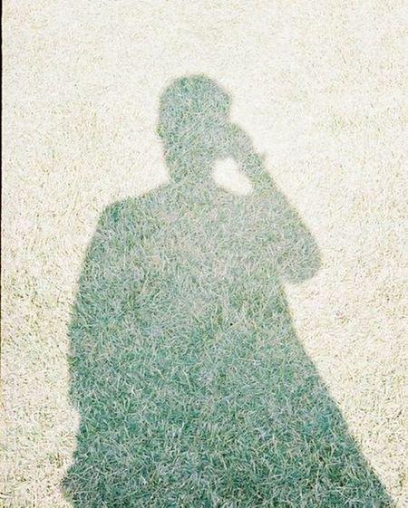 Portra400 Olympus倶楽部 Olympuspeneed Myolympusstyle Film Filmphotography Filmcamera オリンパス倶楽部 オリンパスペンEED フィルム写真普及委員会 フィルム写真 フィルムに恋してる Kodak フィルム ふぃるむカメラ フィルム部 ハーフサイズカメラ 写真好きな人と繋がりたい ファインダー越しの私の世界 カメラ好きな人と繋がりたい カメラ日和 お写んぽ コダック ポートラ400 Halfsizecamera 芝 shadow オリンパスPENEED