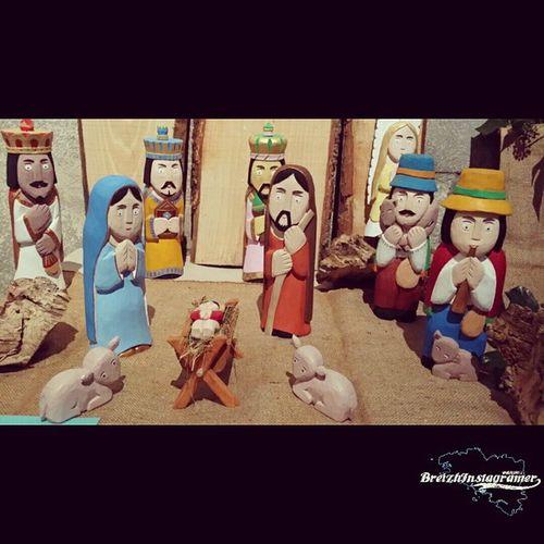 Plus de 40 crèches en expo à Laz . Le 13 et 14 Décembre et du 20 au 4 Janvier 2015 . Venez nombreux de 14h à 18h Creche Origine Pologne Noël