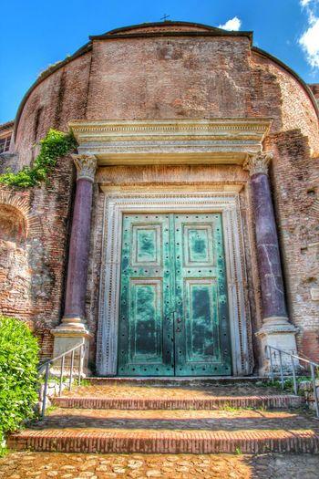 Divus Romulus Forum Romanum Roma 2014