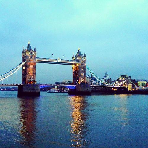 Tower Bridge ?? #all_shots #alan_in_london #insta_uk #insta_london #jj #towerbridge #shootermag #london #londonpop Reflection London Shootermag All_shots Towerbridge Jj  Londonpop Insta_uk Alan_in_london Insta_london Towerbridgelove
