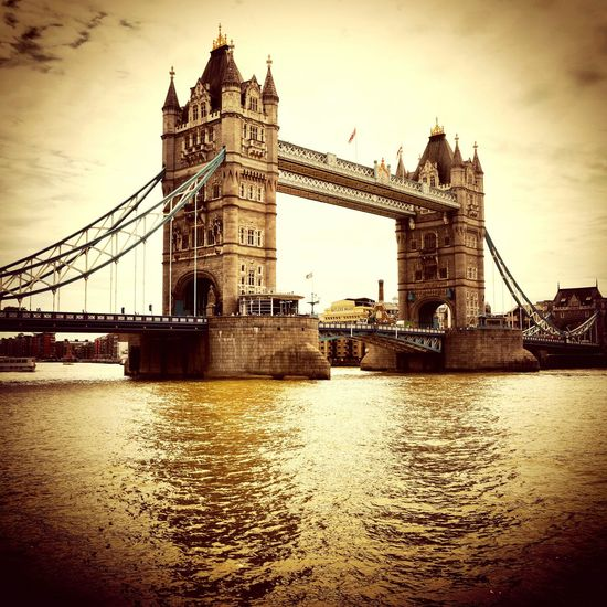 London Towerbridge Tower Bridge  PhotoByMuratGul