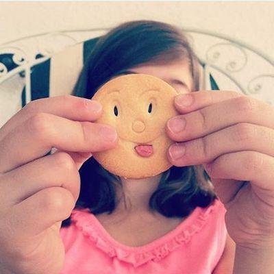"""Το ότι έβγαλε το μπισκότο """"καταραμένη ανάπηρη""""νομίζω πως με ξεπέρασε. Blepapagalos Favoriteplace Metaxourgeio Love"""