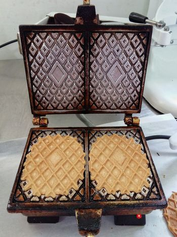Two Is Better Than One Ornate Indoors  Geometric Shape History Abruzzo - Italy Italia Food Pizzelles Ferratelle Pizzella Pizzelle Cibo Dolci Traditional Food Pescocostanzo Pastries