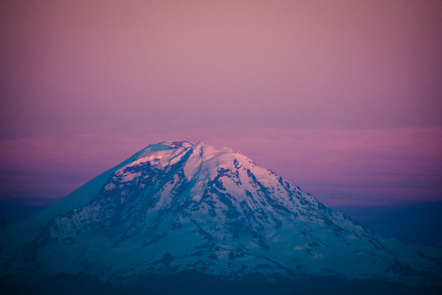 The Mountain - Mt. Rainier Glacier Landscape Majestic Mountain Mt. Rainier Nature Seattle Sky Snowcapped Mountain Sunset Tadaa Community The Great Outdoors - 2016 EyeEm Awards Volcano EyeEm Best Shots EyeEm Masterclass Exceptional Photographs Eye4photography  USA Kerry Park EyeEm Nature Lover Check This Out