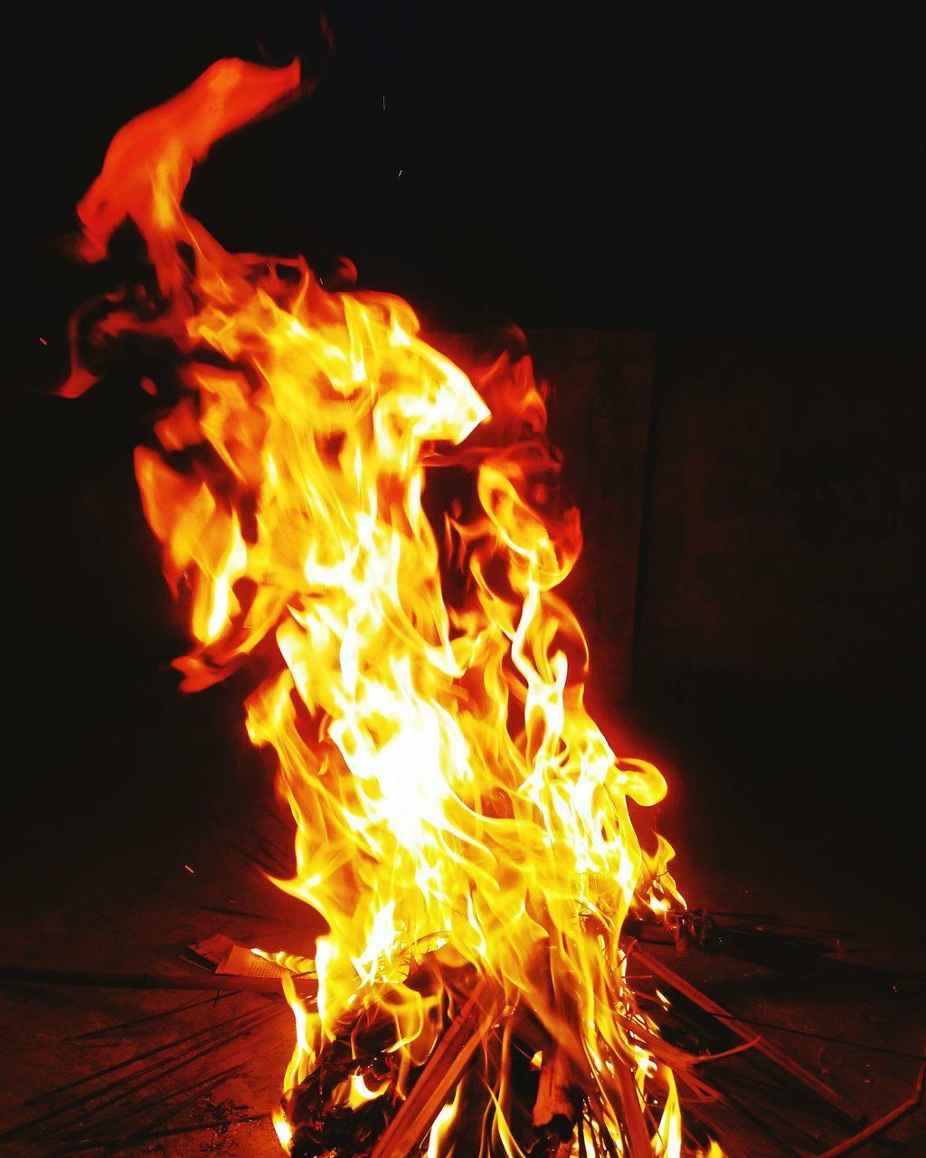 burning, flame, heat - temperature, glowing, night, no people, close-up, outdoors, bonfire