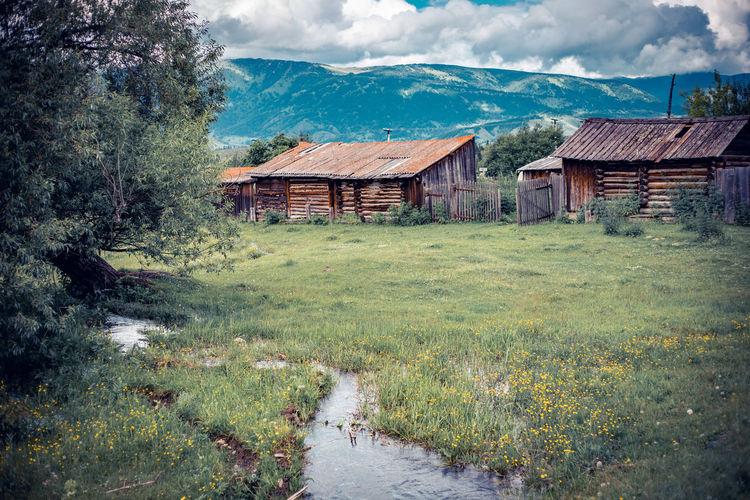 Multa village in altai mountains, russia