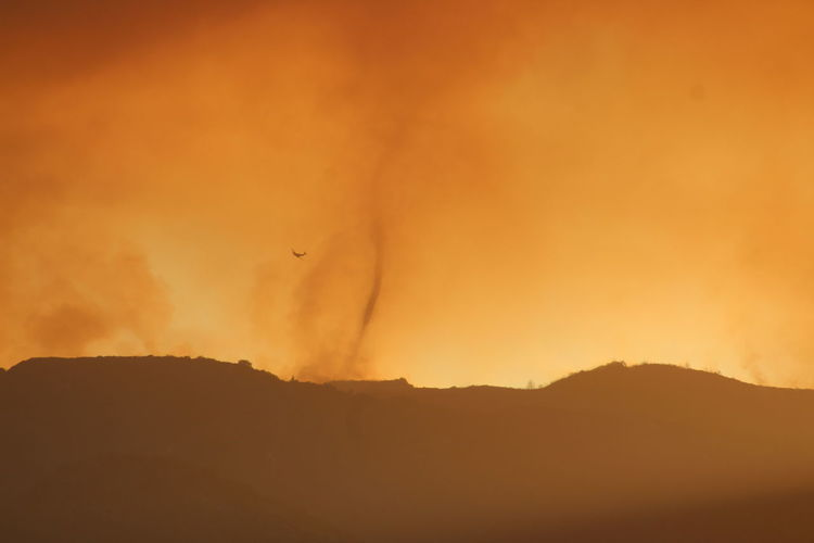 Airplane Firefighter Firefighters In Action Silhouette Whirlwind Scary Fire Tornado Orange Color Orange Sky Smoky Sky California Holyfire Hillside Fire Storm My View San Bernardino National Forest Forest Fire Summertime EyeEm Selects Mountain Sunset Forest Fire Silhouette Sky Aircraft Air Vehicle