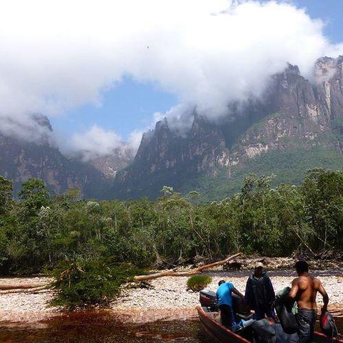 The journey to Angel Falls... Angelfalls Travel Waterfall Gapyear Underrated Canaimanationalpark Trekking Soutamerica Venezuela Clouds Prehistoric Canoe