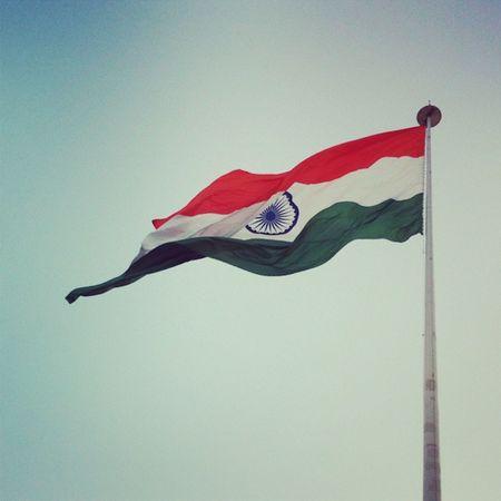 Somehow the flag induces positive energy everysingle time. Flag India CannaughtPlace CentralPark