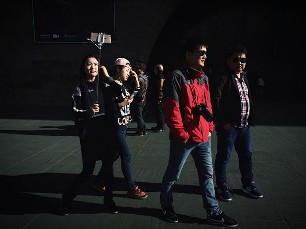 EyeEm Melbourne The Street Photographer - 2015 EyeEm Awards Procamera Open Edit Streetphotography Streetphoto_color Mobilephotography IPhoneography People Watching